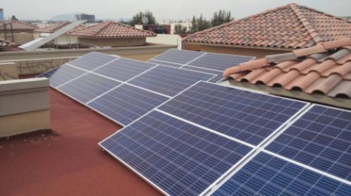 Sistema de 4.48 kWp  Residencial Portofino.  Instalados en Metepec, Estado de México.